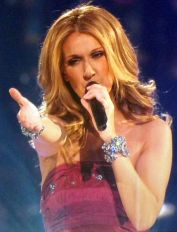 456px-celine_dion_concert_singing_taking_chances_2008