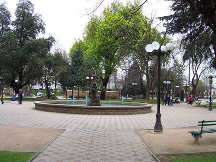 640px-plaza_de_armas_linares_imagen_006