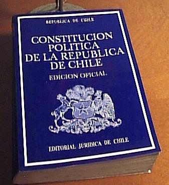 Constitución Política de la República de Chile de 1980 (CC) Patricio Mecklenburg Díaz (Metronick)
